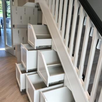 Six white drawers